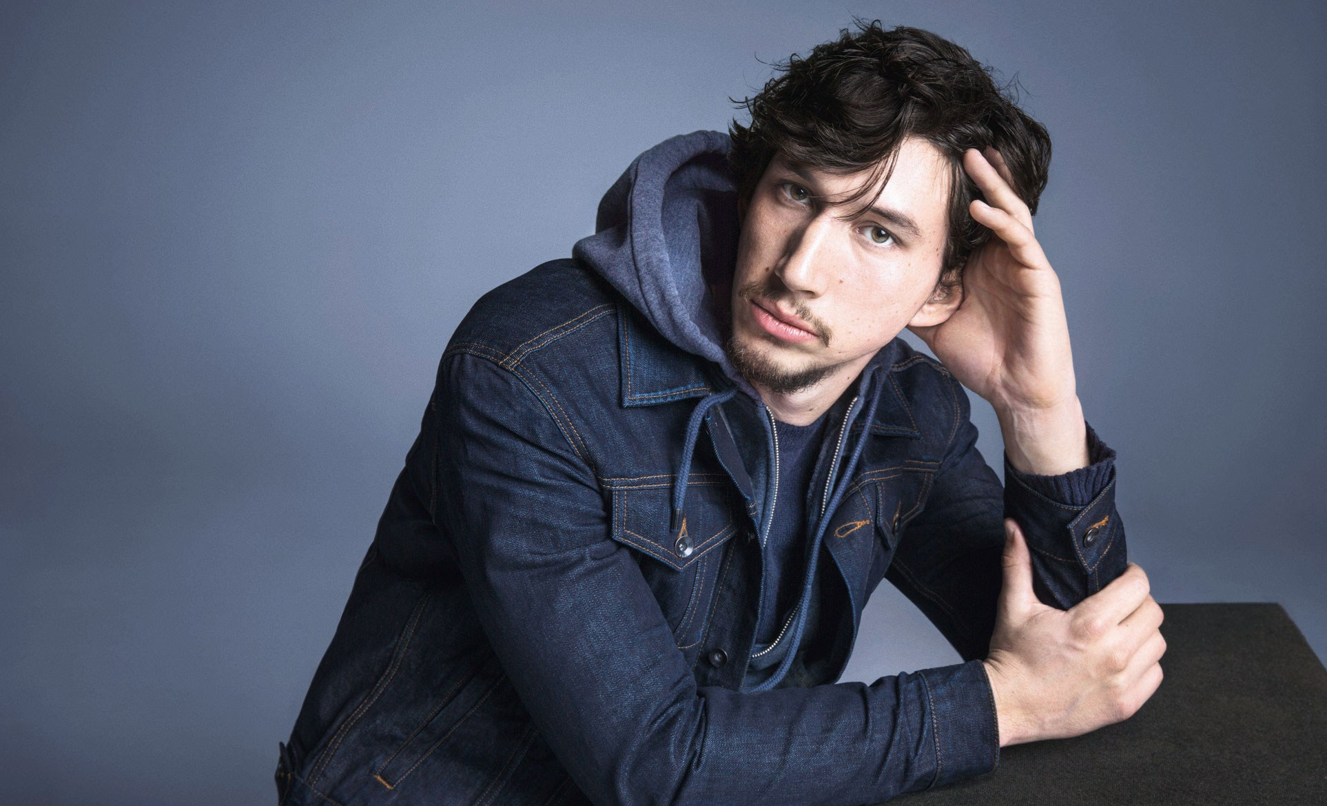 adam-driver-gap-1-gq-8aug13-pr_b_1